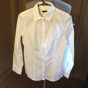 NWT Talbots button front dress shirt. Size 4